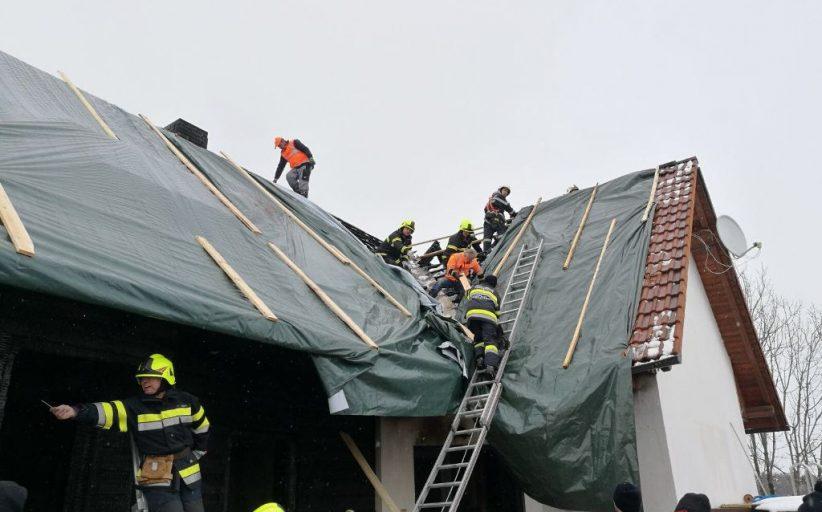 Sicherungs- und Abdeckarbeiten nach Wohnhausbrand